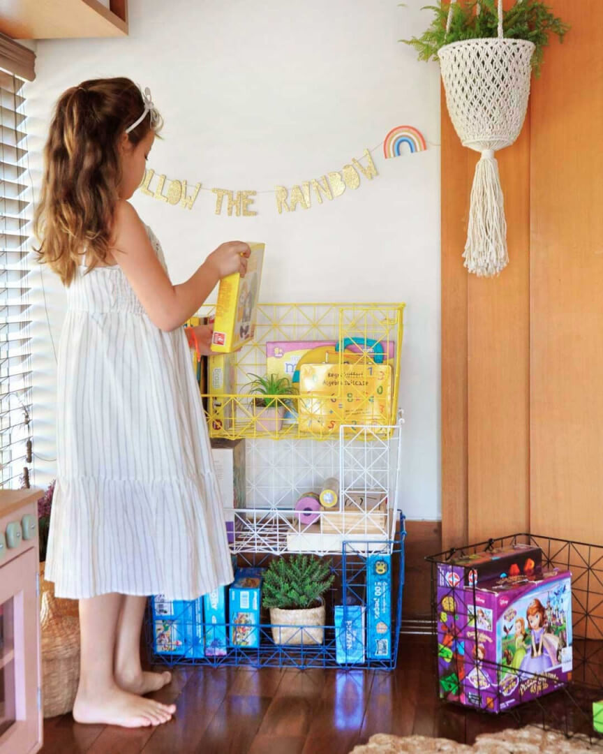 Imagem ilustrativa de um quarto utilizando acessórios de parede que visam trazer personalidade a criança.