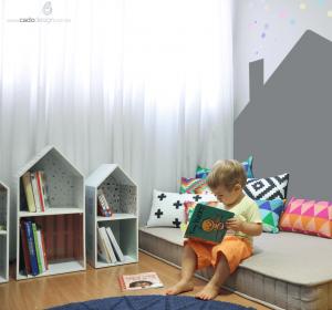 Imagem ilustrativa de como ficaria um quarto com os ´porta-livros divertido Cadô
